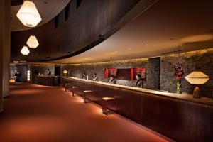 The lounge or bar area at Hilton Niseko Village
