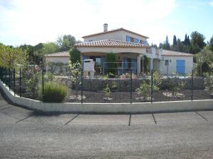 A garden outside Les S Sens du Sud