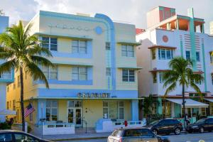 The facade or entrance of Crescent Resort On South Beach By Diamond Resorts