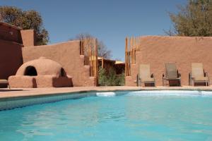 A piscina localizada em Hotel Poblado Kimal ou nos arredores