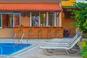 Een patio of ander buitengedeelte van Pavlos Hotel