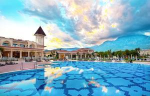 Het zwembad bij of vlak bij Gural Premier Tekirova