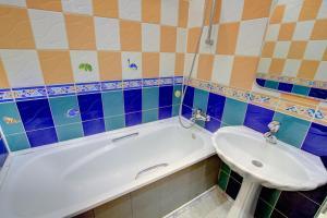 A bathroom at Щёлковские квартиры - Советский 5А