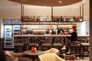 Salon ou bar de l'établissement ibis Amsterdam Centre Stopera