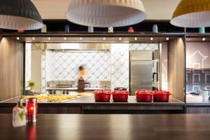 Restaurant ou autre lieu de restauration dans l'établissement ibis Amsterdam Centre Stopera