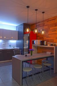 A kitchen or kitchenette at Yak Olympic Hostel