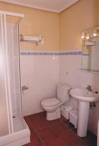 A bathroom at Torre Ercilla Ostatua