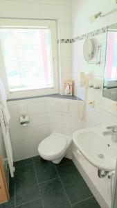 Ein Badezimmer in der Unterkunft Landgasthaus Kurz Hotel & Restaurant am Feldberg - Schwarzwald