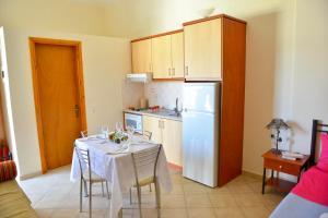 Η κουζίνα ή μικρή κουζίνα στο Κοράλι
