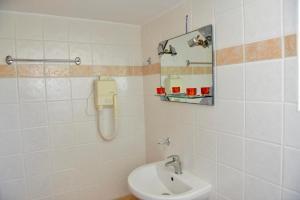 Ένα μπάνιο στο Κοράλι