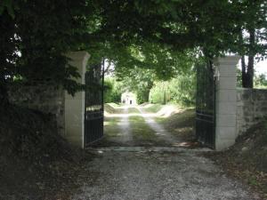 A porch or other outdoor area at Château de la Tour du Breuil
