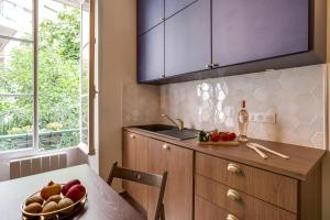 A kitchen or kitchenette at La Casa Nissarte