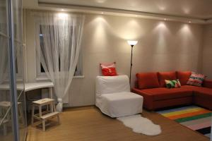A seating area at Apartment-2 on Pravda 40