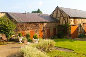 A garden outside Domaine de Regnonval