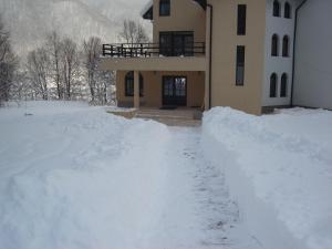 Casa Lacului iarna