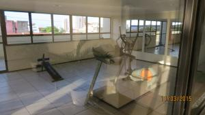 The fitness centre and/or fitness facilities at Sky apartamento II