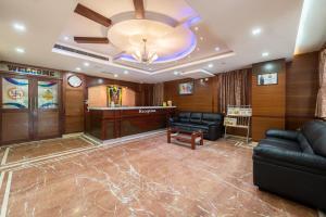 The lobby or reception area at Treebo Trend Akshaya Lalbagh Inn
