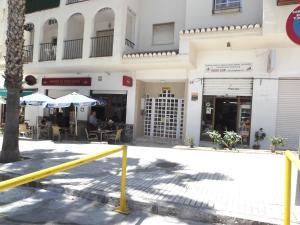 The facade or entrance of Apartamento En Almuñecar