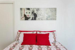 A bed or beds in a room at Millenuvole Casa Vannucci