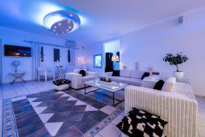 Ο χώρος του lounge ή του μπαρ στο Dream Island Hotel