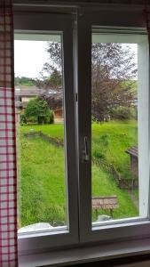 Ein Blick auf den Garten von der Unterkunft Gästehaus Krone aus oder aus der Nähe