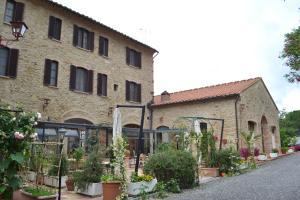 A garden outside Il Vecchio Mulino