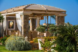 Fasada lub wejście do obiektu Socrates Hotel Malia Beach