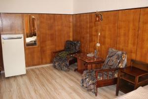A seating area at Guest House on Krasnoslobodskaya