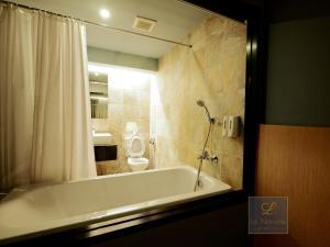 Un baño de Le Naview @Prasingh