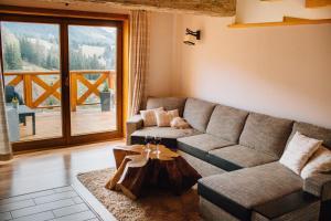 Posedenie v ubytovaní Drevenica Huty