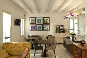 Um restaurante ou outro lugar para comer em Chiara - Lodge