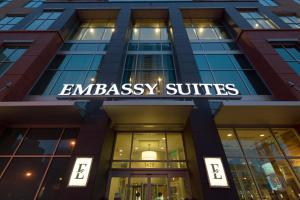 The facade or entrance of Embassy Suites Denver - Downtown/Convention Center