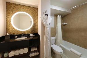 A bathroom at Hotel Angeleno