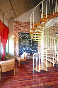 The lounge or bar area at Pure Tea and China B&B