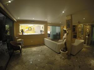 O lounge ou bar de Pousada Rayer Land