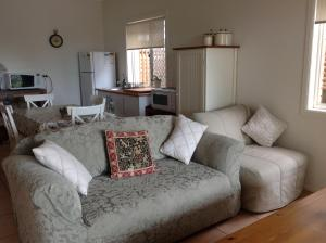 A seating area at The Friendly Chat Bed and Breakfast