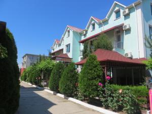 Сад в Николь Отель