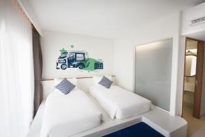 A room at Lub d Phuket Patong