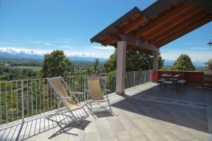 Ein Balkon oder eine Terrasse in der Unterkunft Ligarilli B&B
