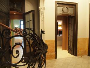 Fachada o entrada de The Originals Boutique, Le Palacete (Relais du Silence)