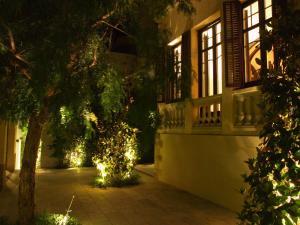 Jardín al aire libre en The Originals Boutique, Le Palacete (Relais du Silence)