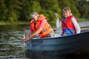 Kanotpaddling vid eller i närheten av semesterparken