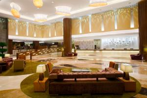 A restaurant or other place to eat at Crowne Plaza Guangzhou City Centre