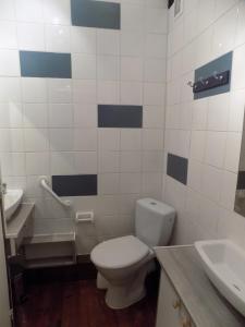 A bathroom at No 5 Plaisance