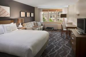 A room at Residence Inn by Marriott Mont Tremblant Manoir Labelle