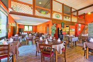 Restaurant ou autre lieu de restauration dans l'établissement Albhotel Grill