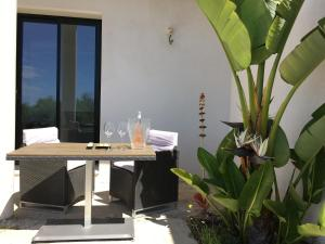 A porch or other outdoor area at Villa Les Restanques