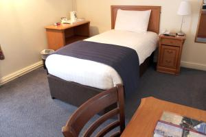 A room at Discovery Inn - Leeds