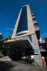 The facade or entrance of Quality Porto Alegre