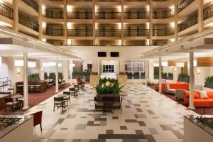 A restaurant or other place to eat at Embassy Suites Baton Rouge